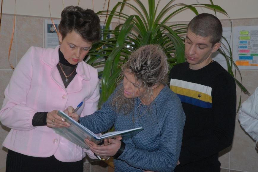 Родителям не придется стоять в очереди за главным документом новорожденных николаевцев (ФОТО), фото-13