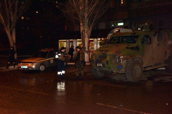 Полиция и Нацгвардия проводят комплексные контрдиверсионные мероприятия в Мариуполе (ФОТО) (фото) - фото 1