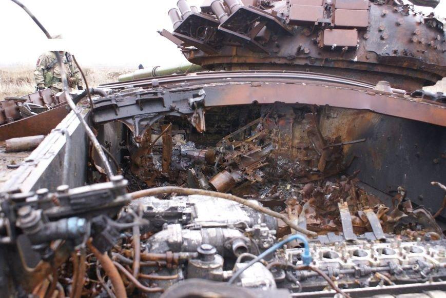 На месте гибели криворожан, экипажа 17-й танковой бригады, волонтеры установили мемориальный знак (ФОТО), фото-18