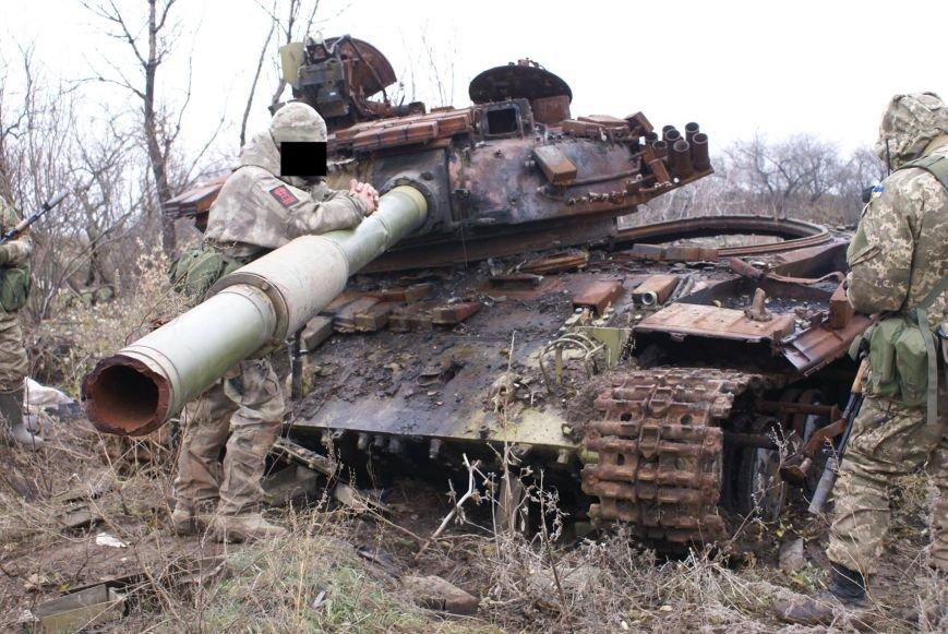 На месте гибели криворожан, экипажа 17-й танковой бригады, волонтеры установили мемориальный знак (ФОТО), фото-15