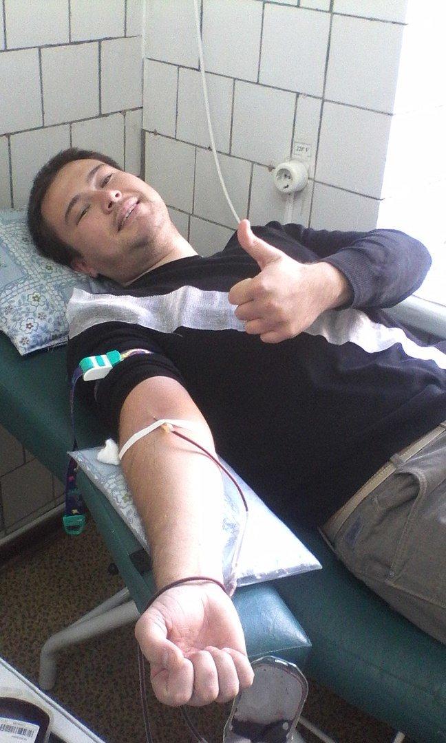 Капля, дающая жизнь - в Ялте прошла акция по сдаче крови (фото) - фото 1