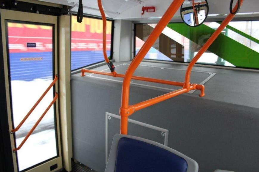 По Ульяновску проехал новый бесконтактный троллейбус (фото) - фото 1