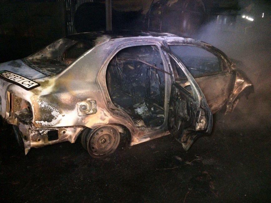 Пожар на газозаправке в Днепропетровске: пострадало двое мужчин (ФОТО, ВИДЕО) (фото) - фото 6