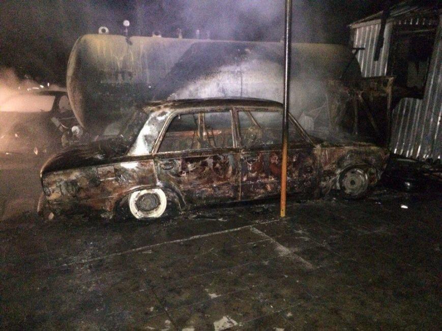 Пожар на газозаправке в Днепропетровске: пострадало двое мужчин (ФОТО, ВИДЕО) (фото) - фото 3