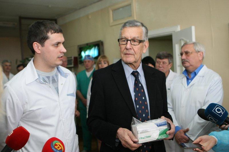 Швейцария передала Днепропетровщине препараты для онкобольных на 1,8 млн. грн (ФОТО) (фото) - фото 3