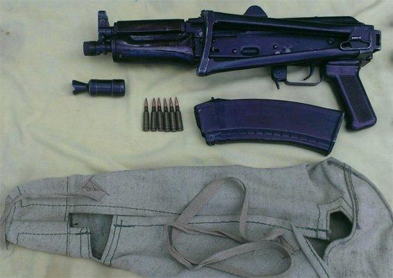 У жителя Кіровограда працівники поліції вилучили арсенал зброї. ФОТО (фото) - фото 1