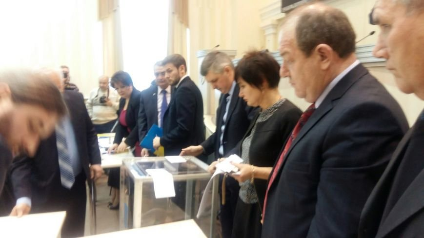 Депутаты Днепропетровского облсовета приступили к выборам головы (фото) - фото 4