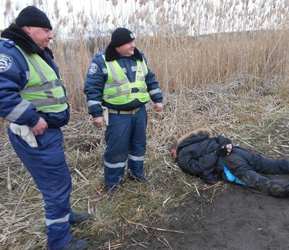 Мужчина учинил стрельбу в Новомосковске, угнал автомобиль и пытался уехать в Павлоград, фото-1