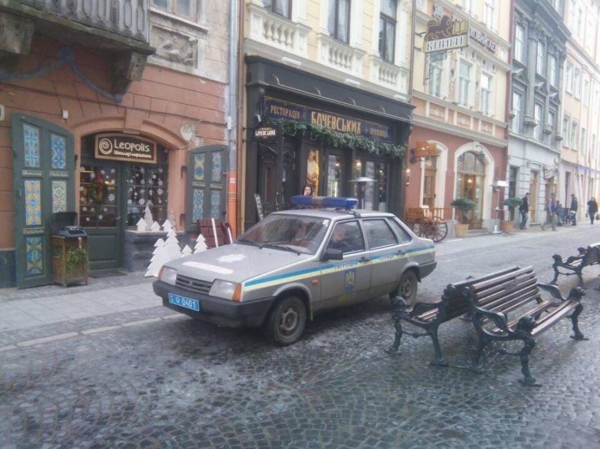 Сьогодні у Львові активісти відкрили полювання на псевдоволонтерів (ФОТО) (фото) - фото 1