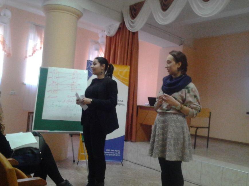 Мариупольские лицеисты делали куклу-мотанку и дискутировали о контрпропаганде (ФОТО), фото-4