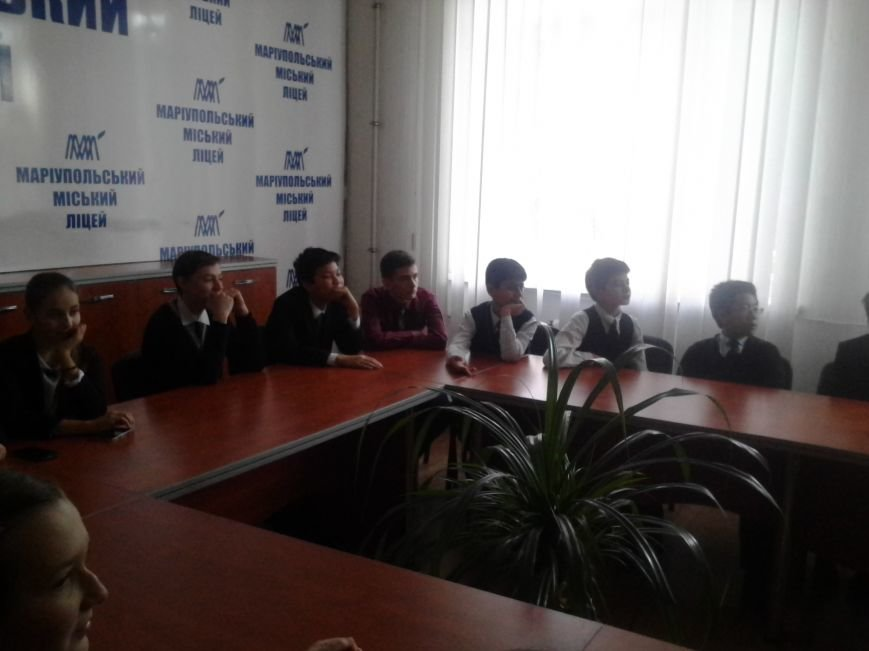 Мариупольские лицеисты делали куклу-мотанку и дискутировали о контрпропаганде (ФОТО), фото-6