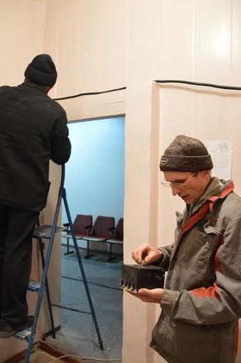 Авдеевский коксохим восстанавливает городскую больницу, фото-1