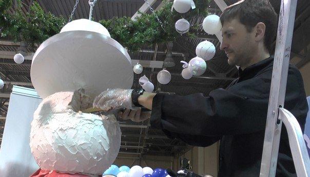 Ростовчане съели стокилограммового сладкого снеговика, фото-1