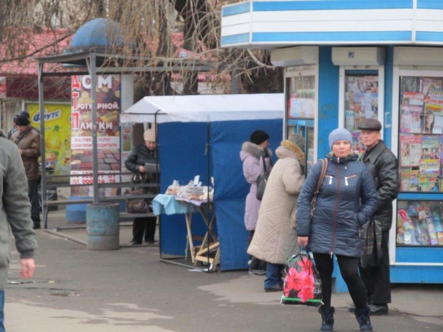 Имущество уличных торговцев-нарушителей скоро начнут конфисковывать, фото-1