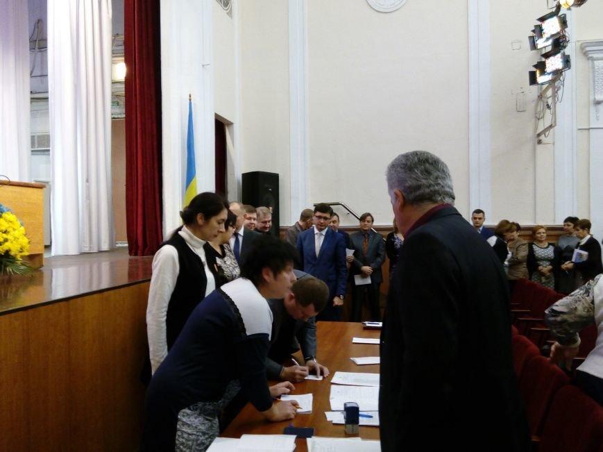В Мариуполе прошла сессия городского совета. Тайно выбрали секретаря и проголосовали за заместителей (ДОПОЛНЕНО+ФОТО), фото-11
