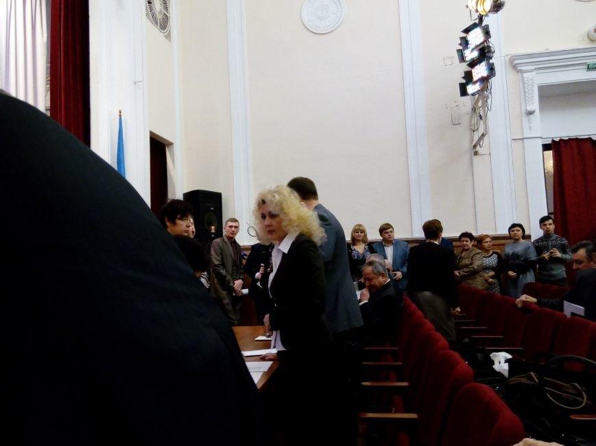 В Мариуполе прошла сессия городского совета. Тайно выбрали секретаря и проголосовали за заместителей (ДОПОЛНЕНО+ФОТО), фото-9