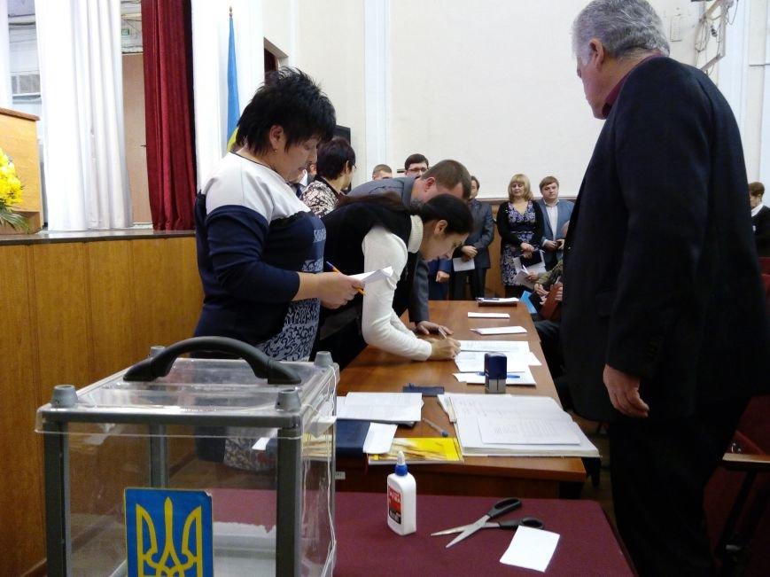 В Мариуполе прошла сессия городского совета. Тайно выбрали секретаря и проголосовали за заместителей (ДОПОЛНЕНО+ФОТО), фото-10