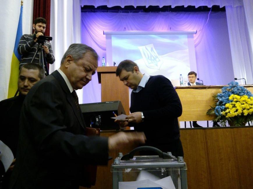 В Мариуполе прошла сессия городского совета. Тайно выбрали секретаря и проголосовали за заместителей (ДОПОЛНЕНО+ФОТО), фото-4