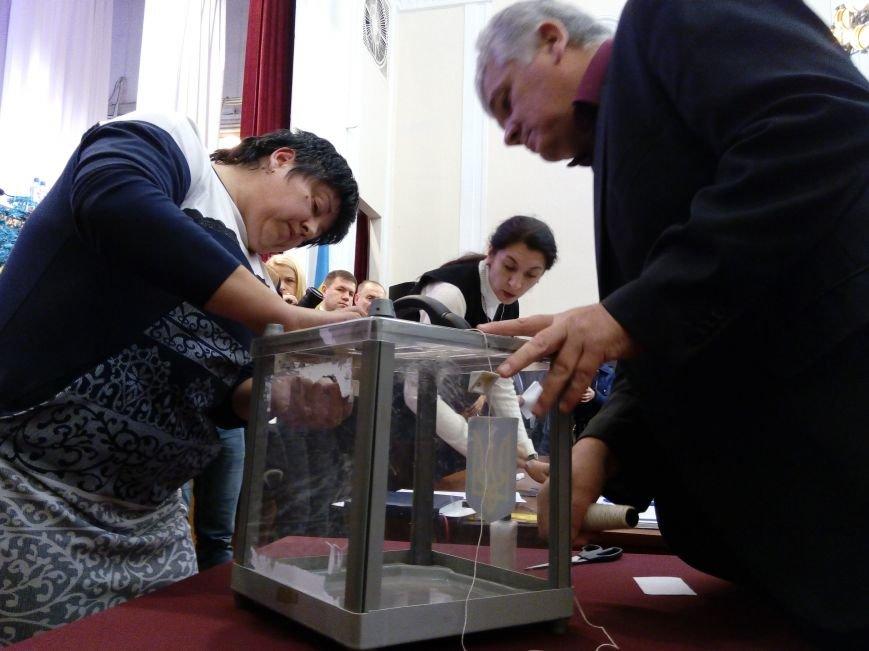 В Мариуполе прошла сессия городского совета. Тайно выбрали секретаря и проголосовали за заместителей (ДОПОЛНЕНО+ФОТО), фото-8