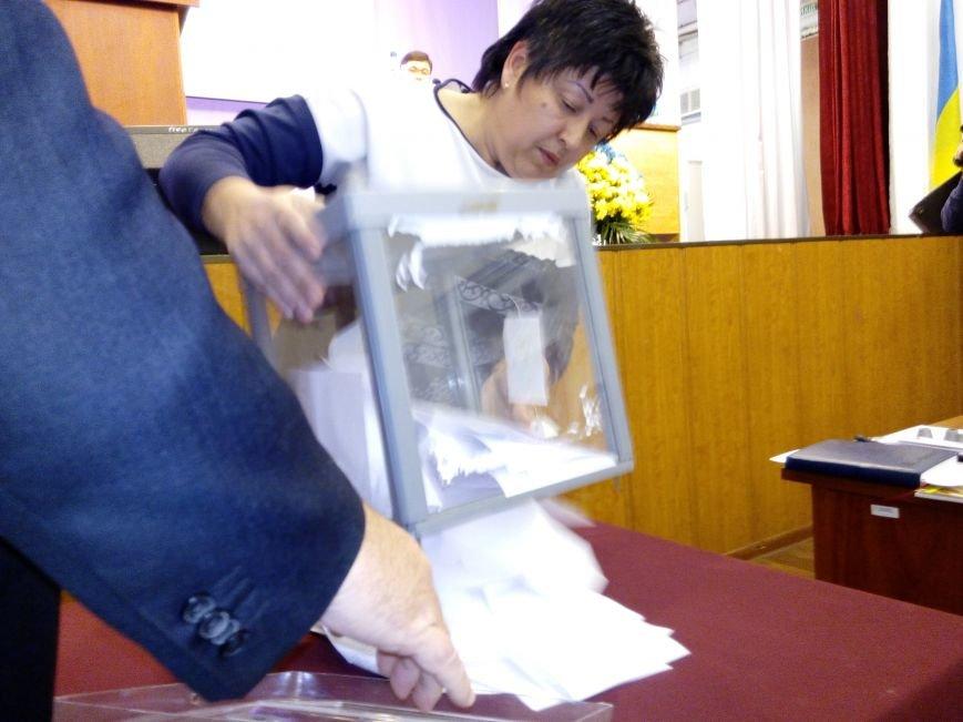 В Мариуполе прошла сессия городского совета. Тайно выбрали секретаря и проголосовали за заместителей (ДОПОЛНЕНО+ФОТО), фото-5