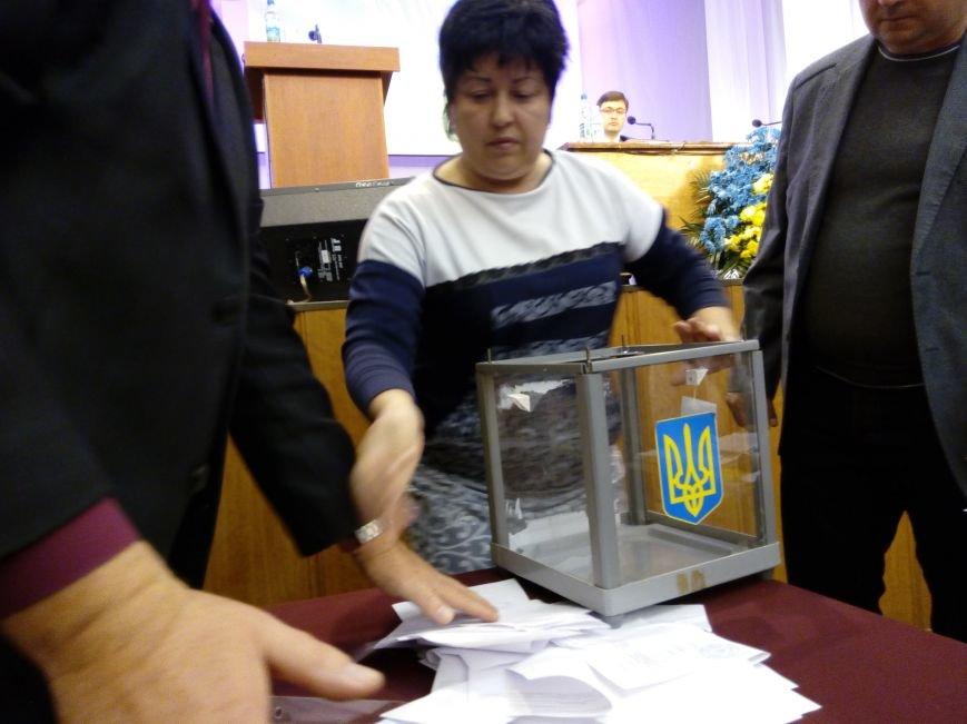 В Мариуполе прошла сессия городского совета. Тайно выбрали секретаря и проголосовали за заместителей (ДОПОЛНЕНО+ФОТО), фото-6