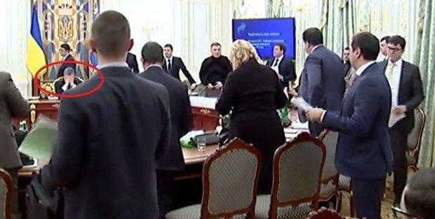 Мережу «підірвало» відео словесної перепалки Авакова і Саакашвілі (ФОТО, ВІДЕО) (фото) - фото 1