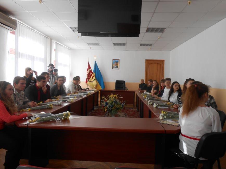 В Днепродзержинске состоялась встреча городского головы с Молодежным советом города (фото) - фото 2