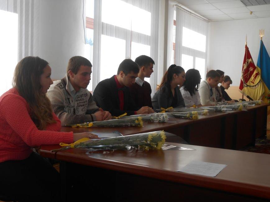 В Днепродзержинске состоялась встреча городского головы с Молодежным советом города (фото) - фото 4