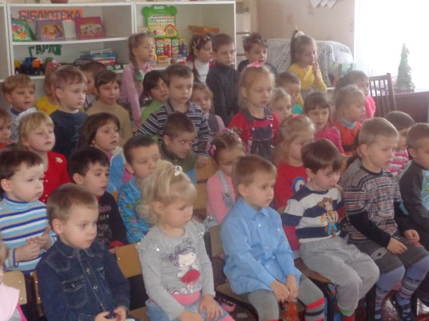 В детских садиках Красноармейска прошли предпраздничные концерты воспитанников музыкальной школы имени Н. Д. Леонтовича (фото) - фото 24
