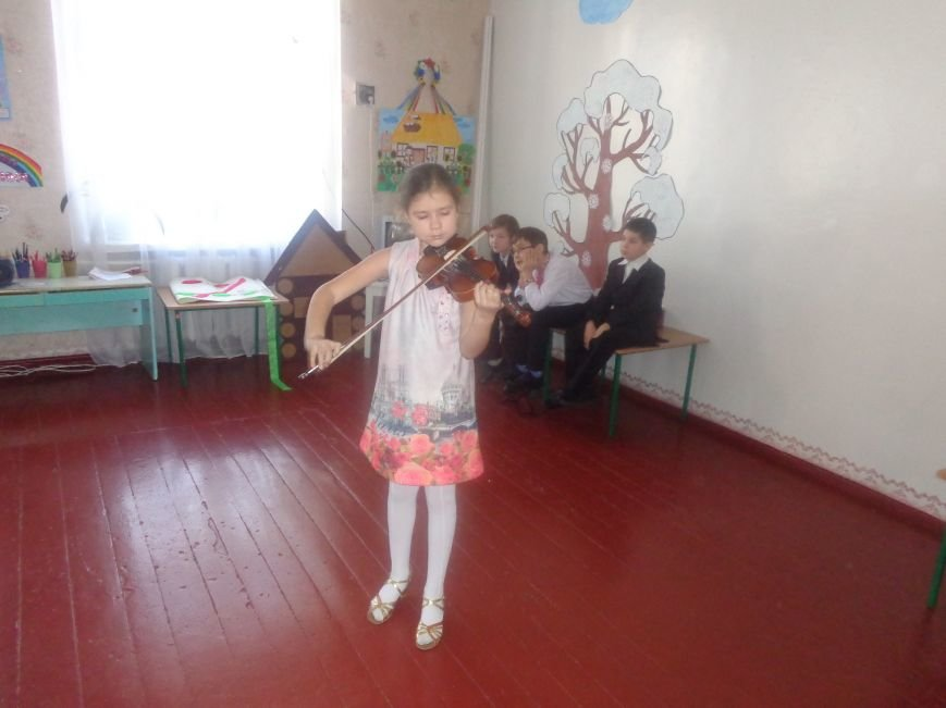 В детских садиках Красноармейска прошли предпраздничные концерты воспитанников музыкальной школы имени Н. Д. Леонтовича (фото) - фото 30