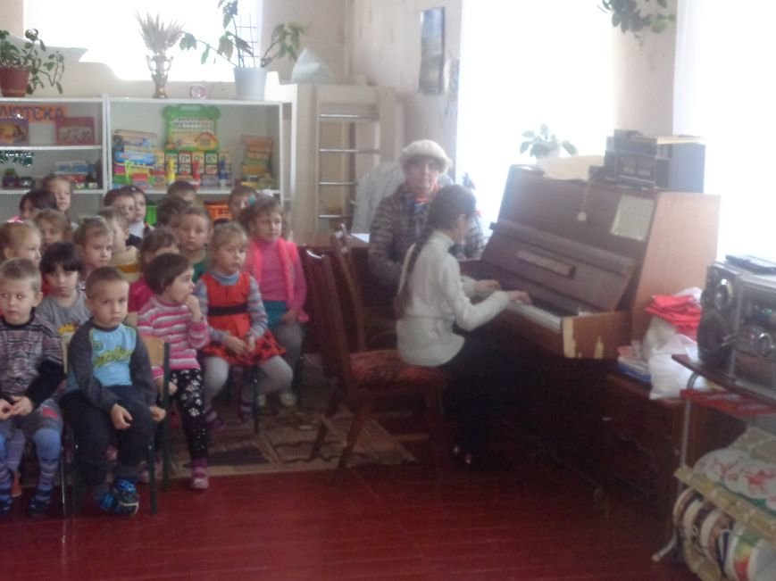 В детских садиках Красноармейска прошли предпраздничные концерты воспитанников музыкальной школы имени Н. Д. Леонтовича (фото) - фото 19