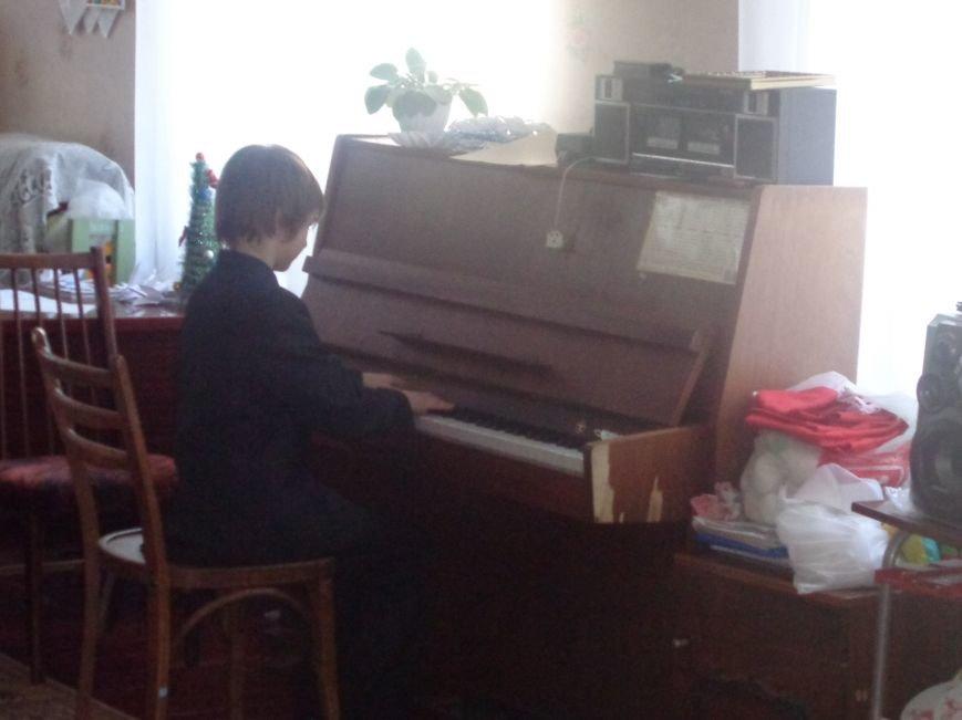 В детских садиках Красноармейска прошли предпраздничные концерты воспитанников музыкальной школы имени Н. Д. Леонтовича (фото) - фото 32