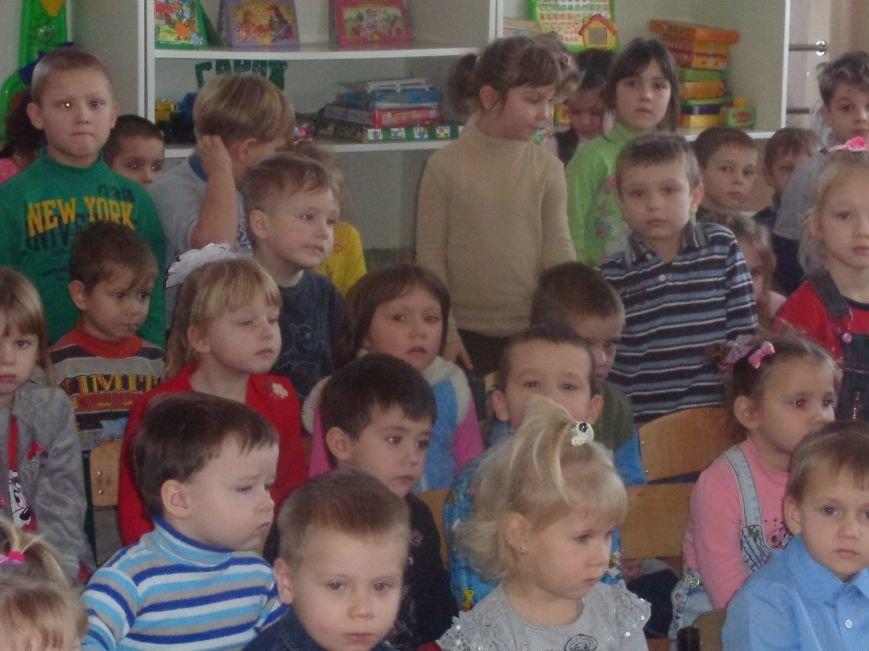 В детских садиках Красноармейска прошли предпраздничные концерты воспитанников музыкальной школы имени Н. Д. Леонтовича (фото) - фото 28