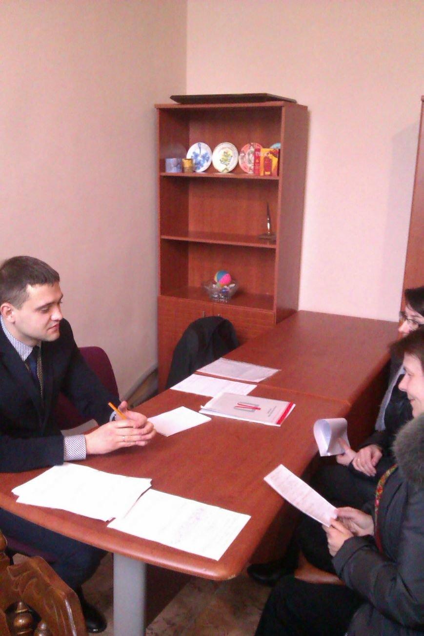 Для переселенцев в Красноармейске прошли бесплатные юридические консультации (фото) - фото 1
