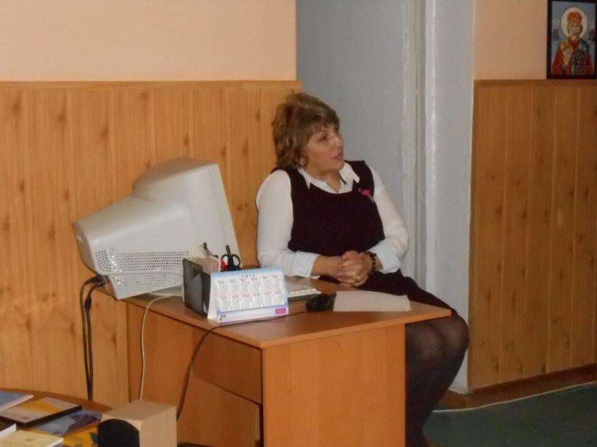 В Днепродзержинске открылся дискуссионный киноклуб «Прометей» (фото) - фото 3