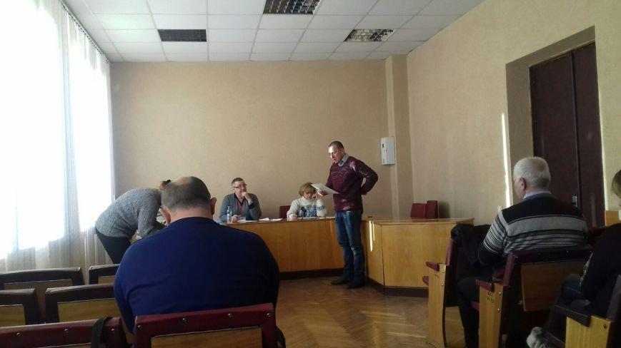 Новый председатель  горизбиркома Кривого Рога приняла присягу,  но отказалась рассматривать подготовленные проекты постановлений (фото) - фото 1