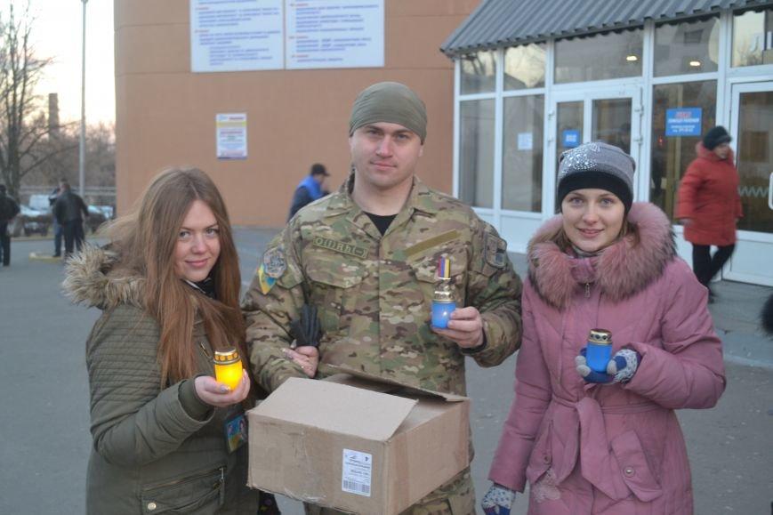 Раненым бойцам в Мечникова подарили Вифлеемский огонь (ФОТО), фото-1