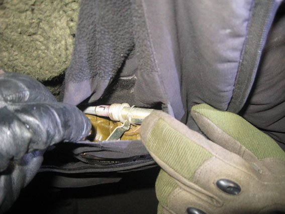 Жители Артемовска-Бахмута продолжают носить в карманах гранаты (фото) - фото 1