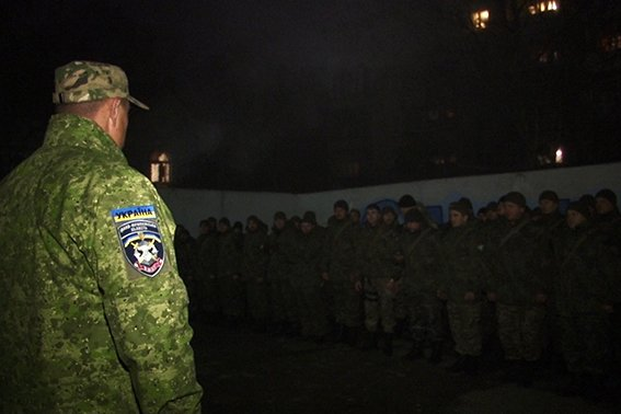 Із Маріуполя повернувся зведений загін працівників поліції Прикарпаття (ФОТО) (фото) - фото 1