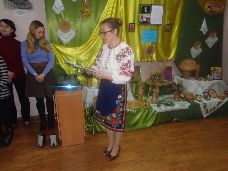 Театрально и интеллектуально: в Красноармейском историческом музее отпраздновали День Святого Николая (фото) - фото 2