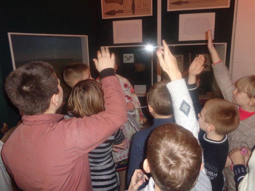 Театрально и интеллектуально: в Красноармейском историческом музее отпраздновали День Святого Николая (фото) - фото 10