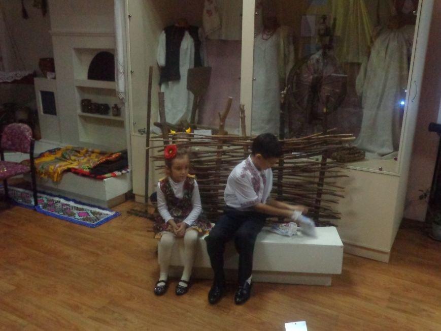 Театрально и интеллектуально: в Красноармейском историческом музее отпраздновали День Святого Николая (фото) - фото 5