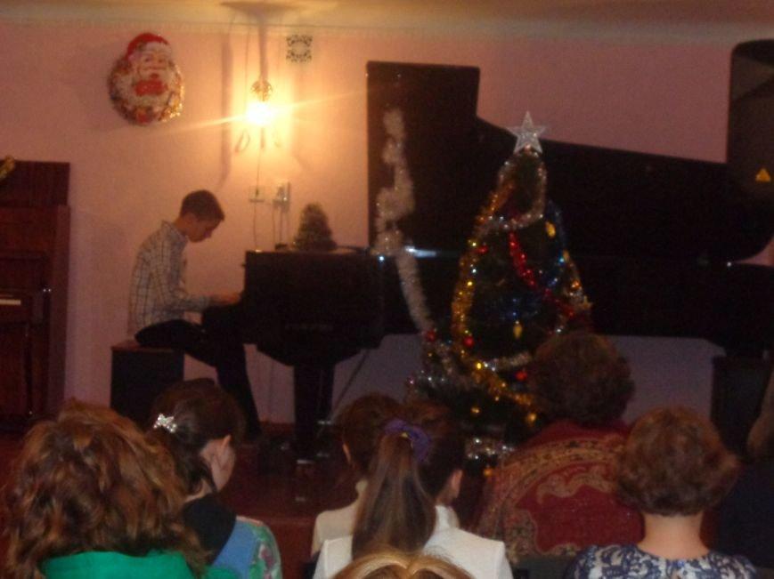 День Святого Николая в музыкальной школе Красноармейска отметили музыкально, талантливо и громогласно (фото) - фото 12