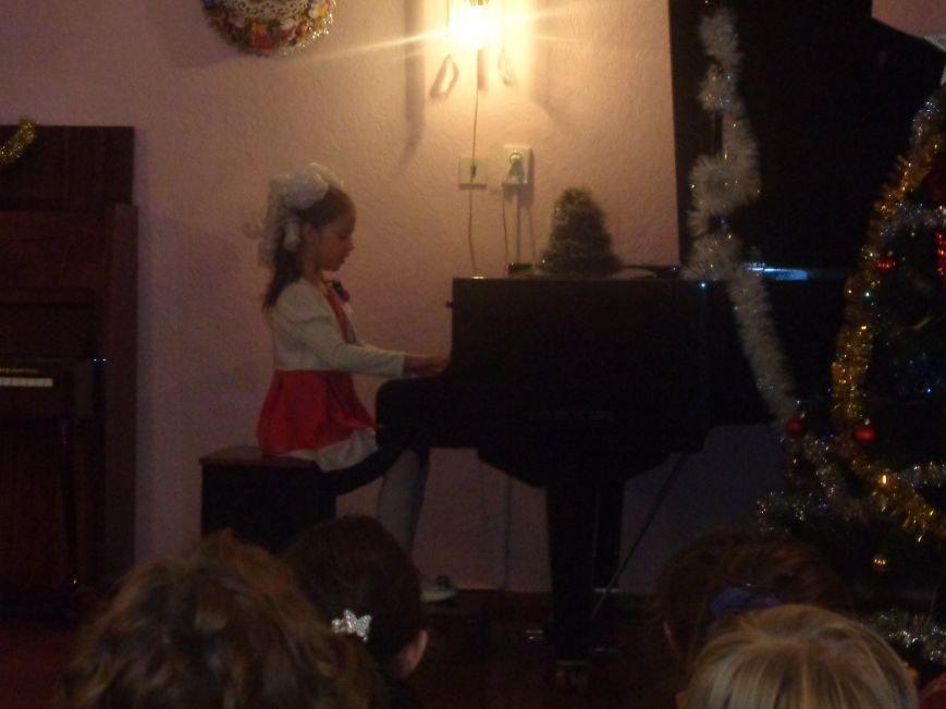 День Святого Николая в музыкальной школе Красноармейска отметили музыкально, талантливо и громогласно (фото) - фото 3