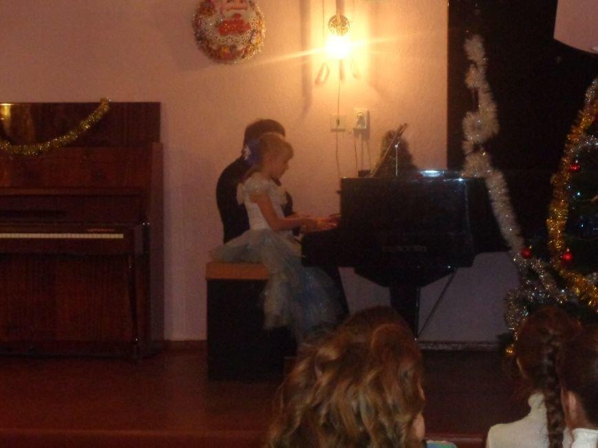 День Святого Николая в музыкальной школе Красноармейска отметили музыкально, талантливо и громогласно (фото) - фото 4