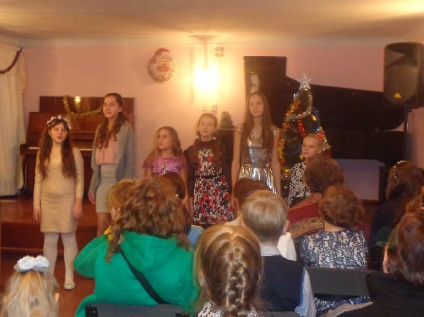 День Святого Николая в музыкальной школе Красноармейска отметили музыкально, талантливо и громогласно (фото) - фото 2
