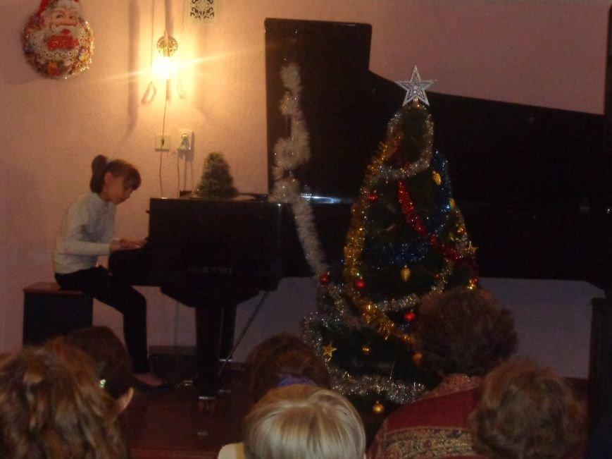 День Святого Николая в музыкальной школе Красноармейска отметили музыкально, талантливо и громогласно (фото) - фото 9