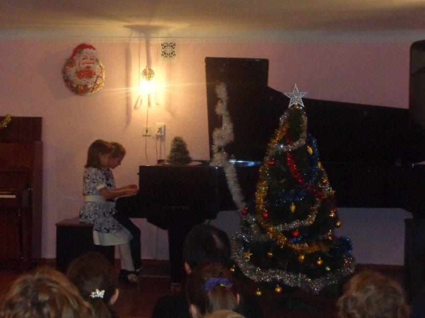 День Святого Николая в музыкальной школе Красноармейска отметили музыкально, талантливо и громогласно (фото) - фото 13
