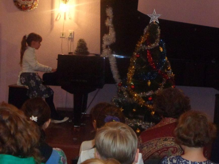 День Святого Николая в музыкальной школе Красноармейска отметили музыкально, талантливо и громогласно (фото) - фото 7