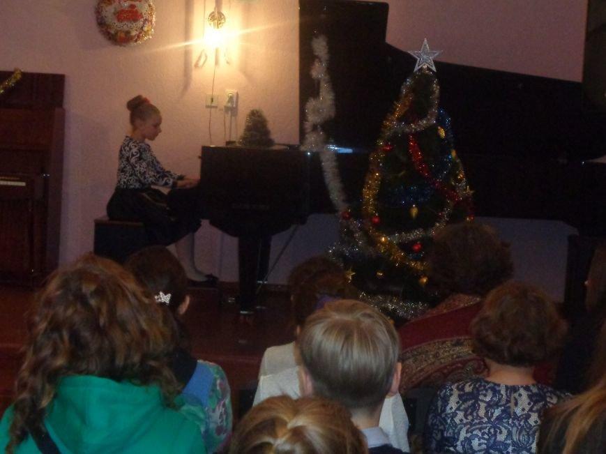 День Святого Николая в музыкальной школе Красноармейска отметили музыкально, талантливо и громогласно (фото) - фото 6